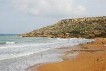 hoge golven op het strand