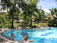 zwembad Santika Hotel
